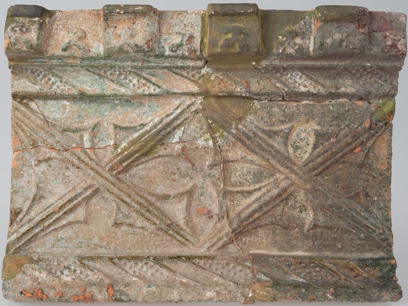Kafel z ornamentem okuciowym