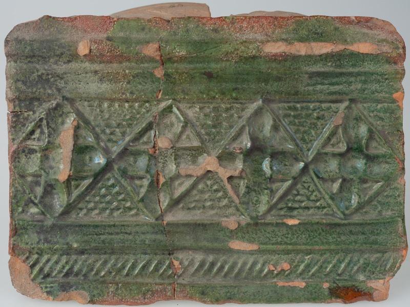 Kafel z ornamentem czworolistnym