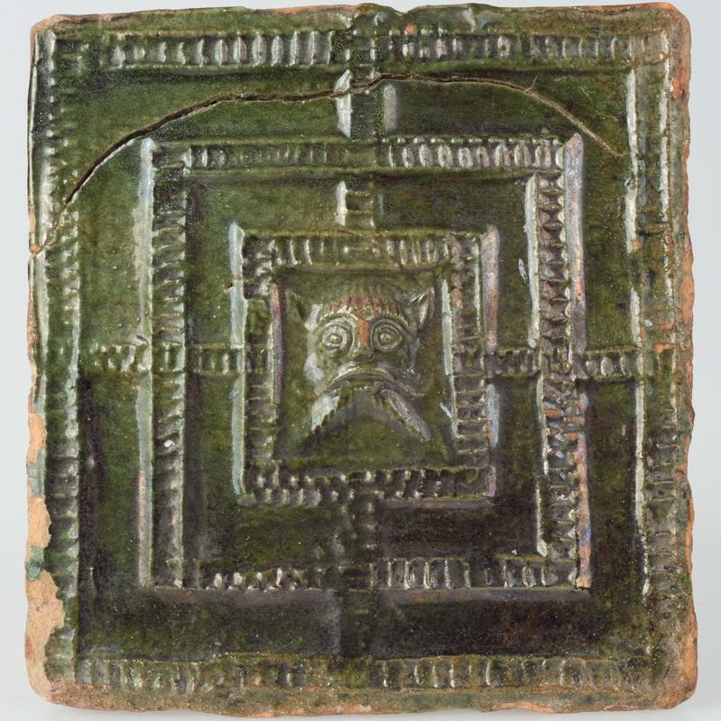 Kafel z wyobrażeniem labiryntu minotaura lub diabła