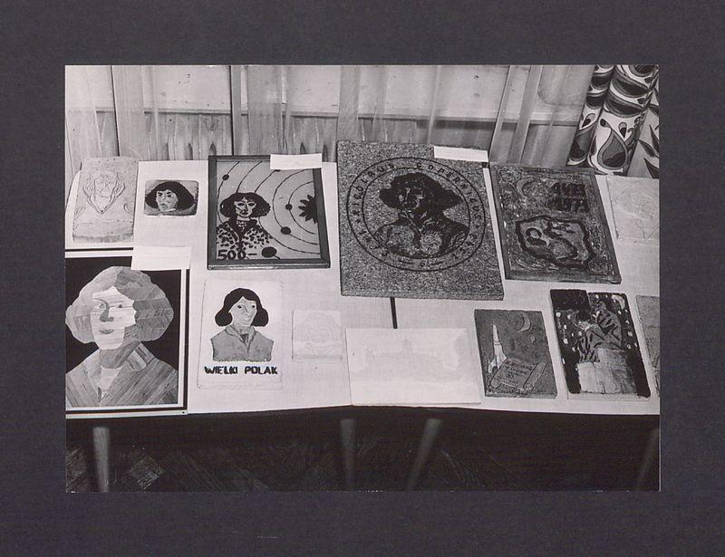 """Wystawa prac plastycznych """"Kopernik i jego dzieło""""."""