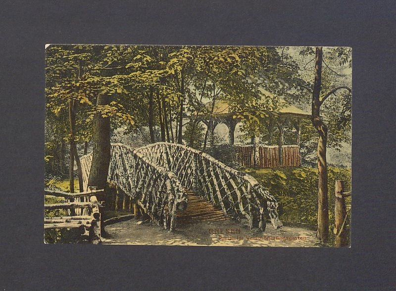 Gniezno. Park Miejski z altaną i mostkiem.