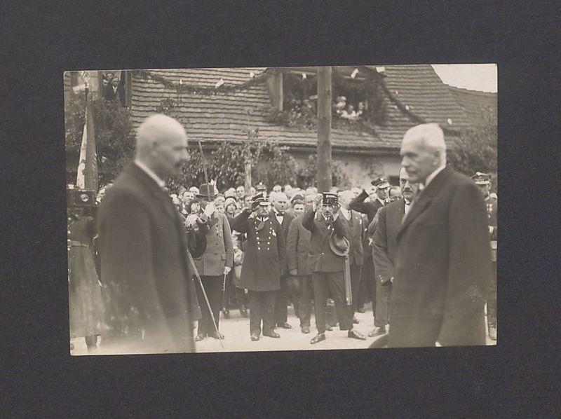 Uroczystości odsłonięcia pomnika Bolesława Chrobrego.Na pierwszym planie, z lewej Leon Barciszewski, prezydent Gniezna. Natomiast z prawej Ignacy Mościcki, Prezydent Rzeczypospolitej Polskiej.