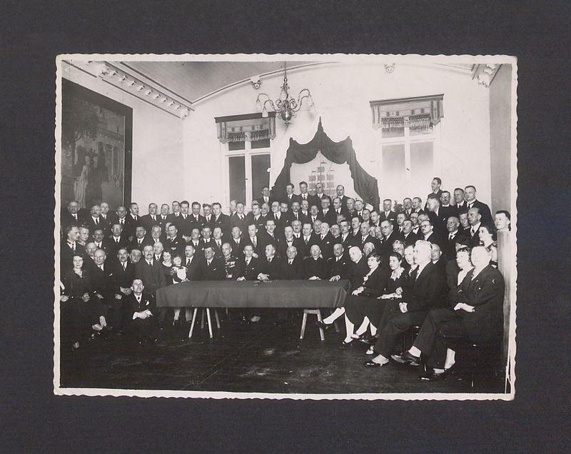Uczestnicy uroczystości poświęcenia Domu Kupieckiego.